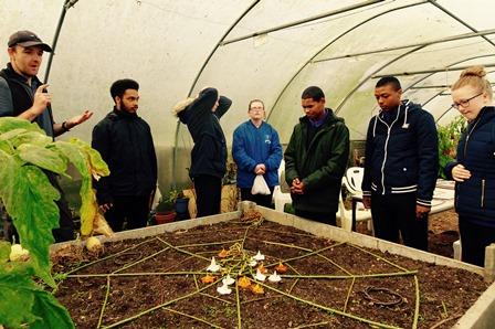 Creating a nature mandala with land artist Richard Shilling
